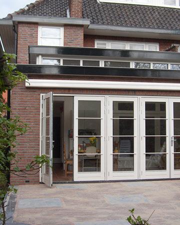 MrWoon-Raamdecoratie-aanbouw-2x-openslaande-deuren-bron-Lexarchitecten