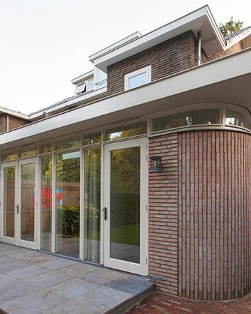MrWoon-Raamdecoratie-aanbouw-30-jaren-bron-Kraalarchitecten