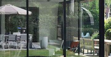 MrWoon-Raamdecoratie-aanbouw-hout-en-staal-Pinterest