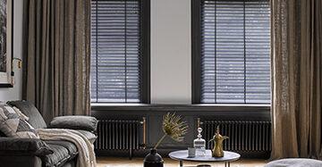 Creëer een andere sfeer met raamdecoratie Toppoint gordijn Elin Silva houten jaloezie 1340