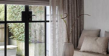 Gevoerde raamdecoratie in de slaapkamer Toppoint gordijn Basic Bellisimo met vouwgordijn Cosa gevoerd