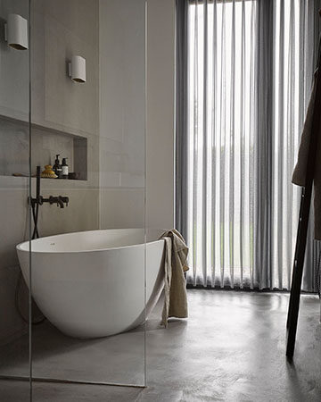 Privacy in de badkamer Toppoint Versus gordijn Basics Malene open